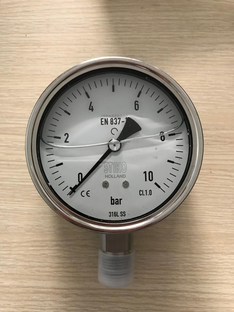 Đồng hồ áp suất inox có dầu của Stiko