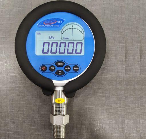 Đồng hồ áp suất điện tử ADT681